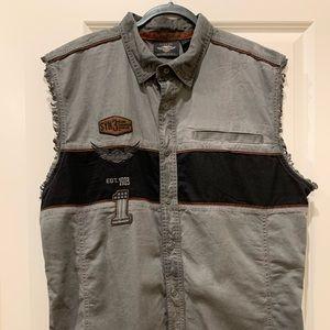 HD Sleeveless Button Down Shirt